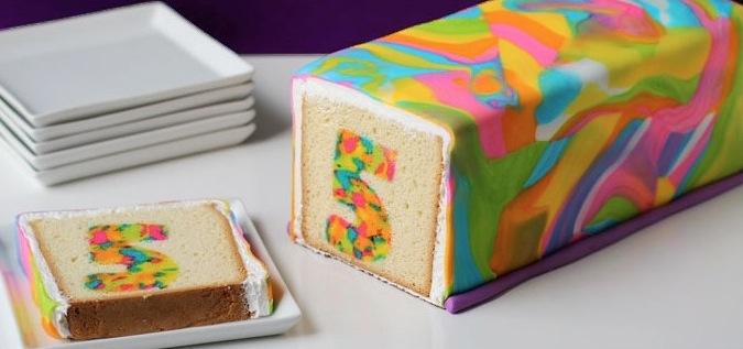 Mehrfarbiger kuchen