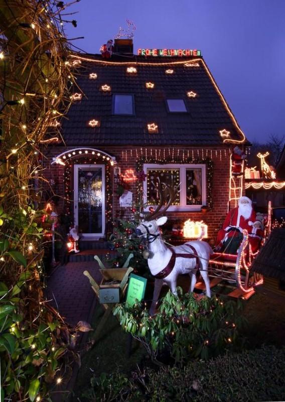 weihnachten ist berall 46 mal pure freude ber das wichtigste familienfest. Black Bedroom Furniture Sets. Home Design Ideas