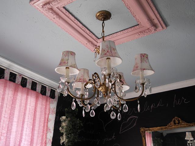 diese frau bezahlt 1 f r einen alten bilderrahmen was. Black Bedroom Furniture Sets. Home Design Ideas