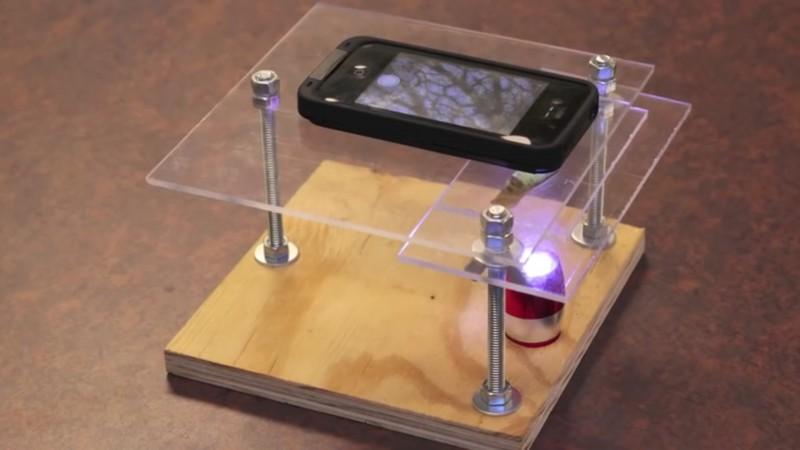 er nimmt plexiglas und einen laserpointer danach ist sein smartphone ein ganz neues ger t dex1. Black Bedroom Furniture Sets. Home Design Ideas